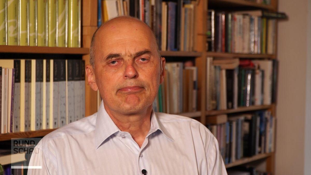 Der Chef-Infektiologe der Uniklinik Regensburg, Bernd Salzberger