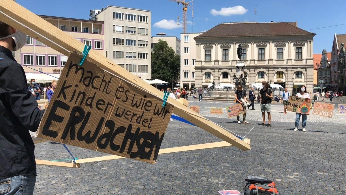 Fridays for Future demonstriert in Augsburg gegen Abwrackprämie