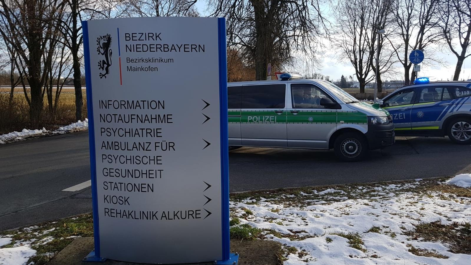 Polizeieinsatz am Bezirksklinikum Mainkofen.