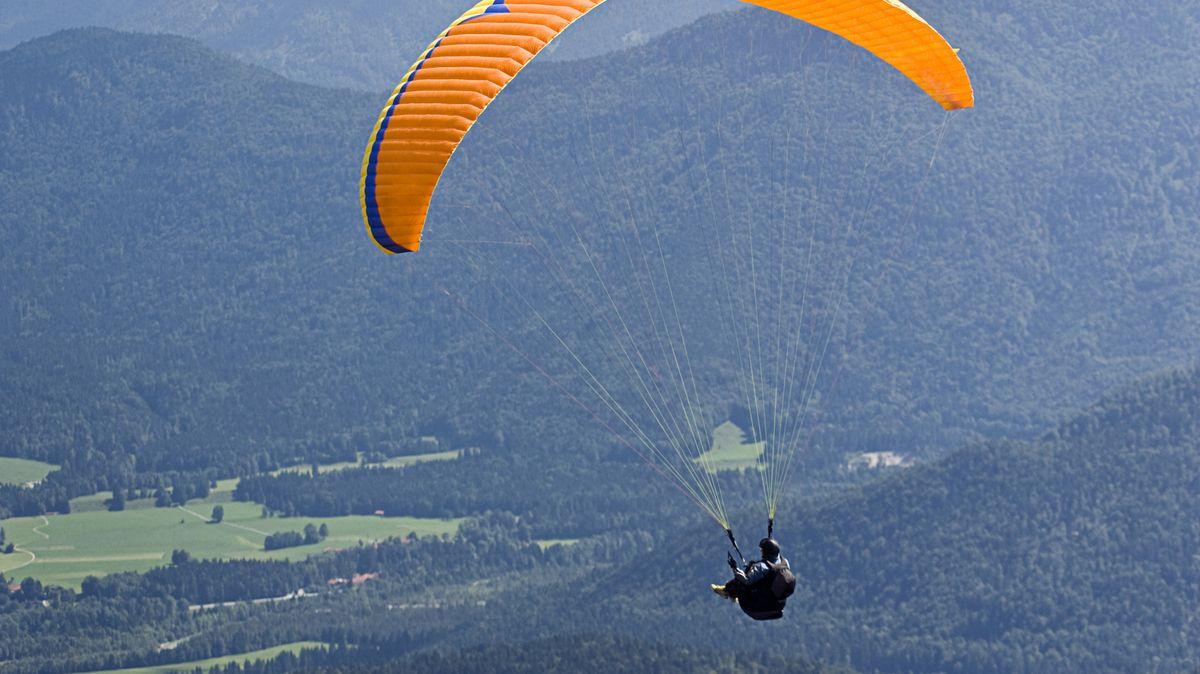 Gleitschirmflieger (Symbolbild)