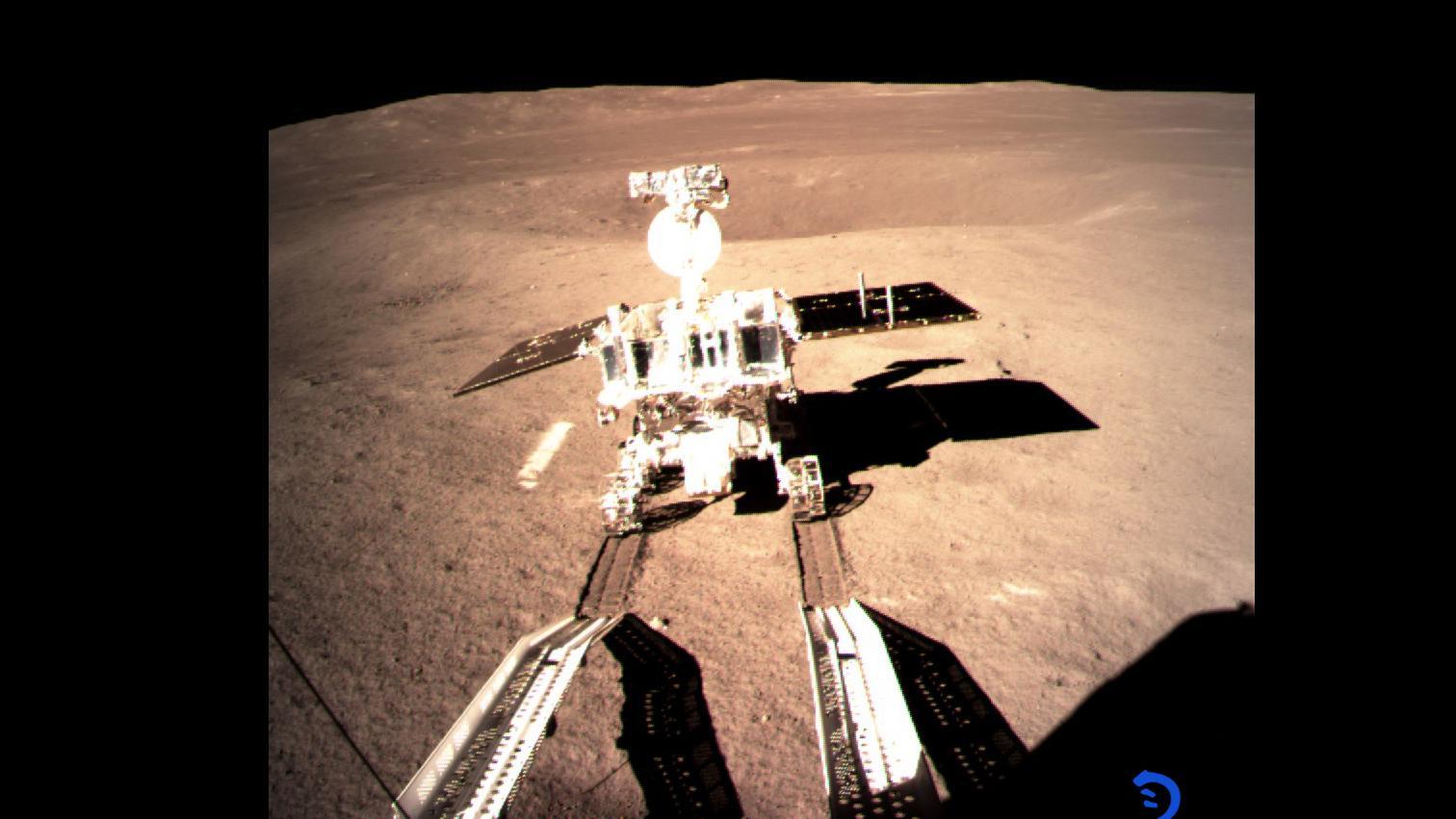 Chinesischer Rover Yutu 2 (Jadehase 2) auf dem Mond