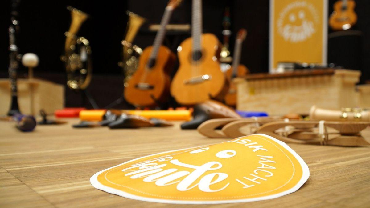 Instrumente in der Volksmusikakademie in Bayern