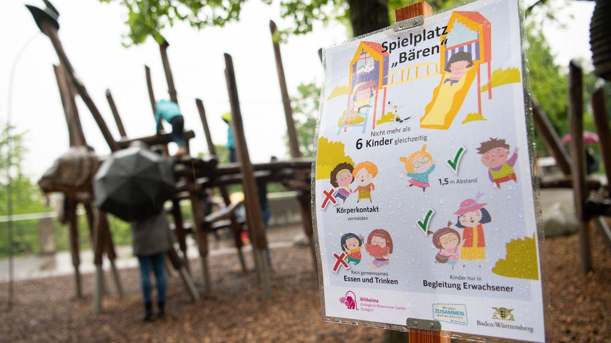 Wieder geöffneter Spielplatz (Wilhelma in Stuttgart)