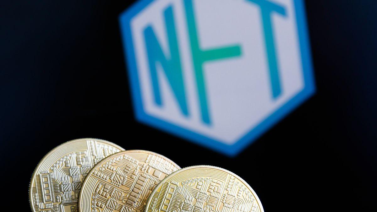 NFT-Schriftzug und Münzen