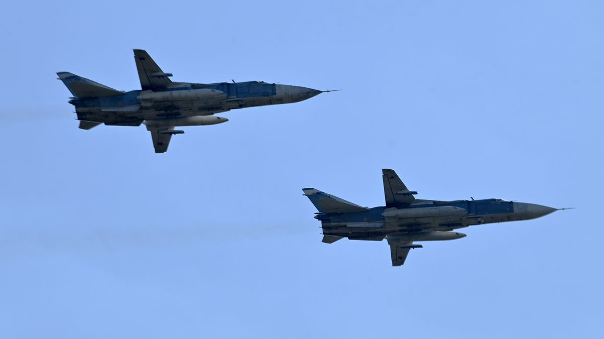 Zwei SU-24-Kampfflugzeuge (Symbolbild)
