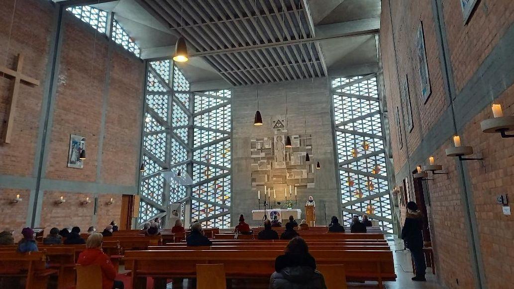 Innenraum Evangeliumskirche München