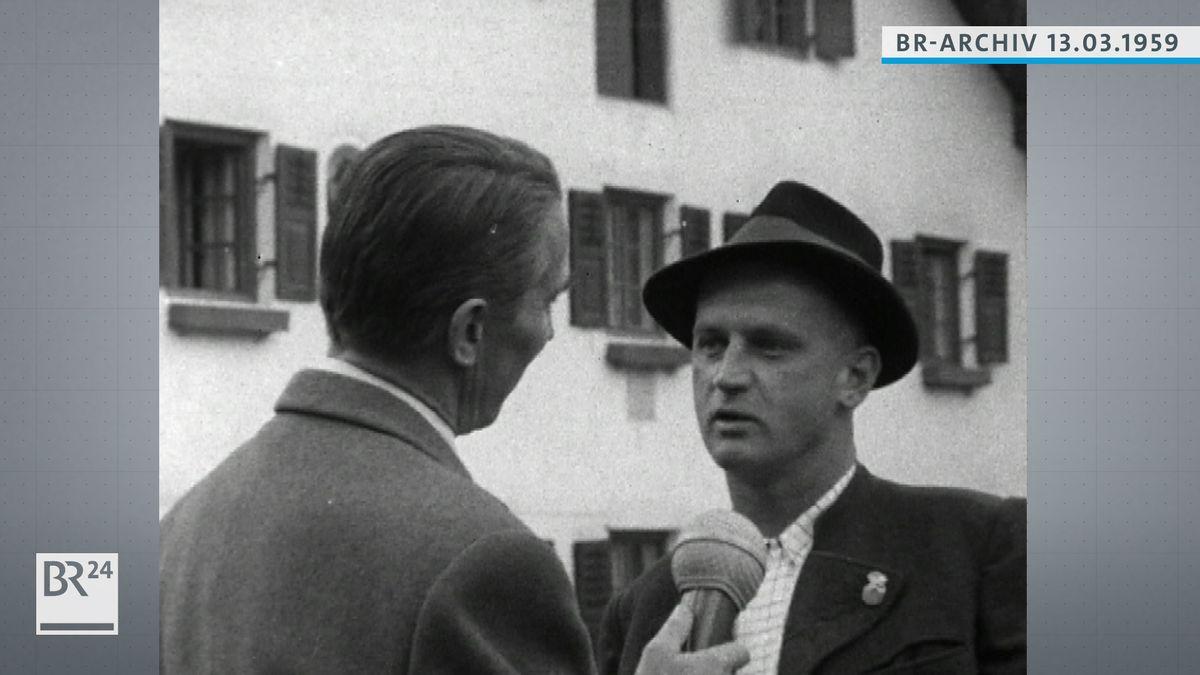 BR-Reporter im Gespräch mit Interviewpartner.