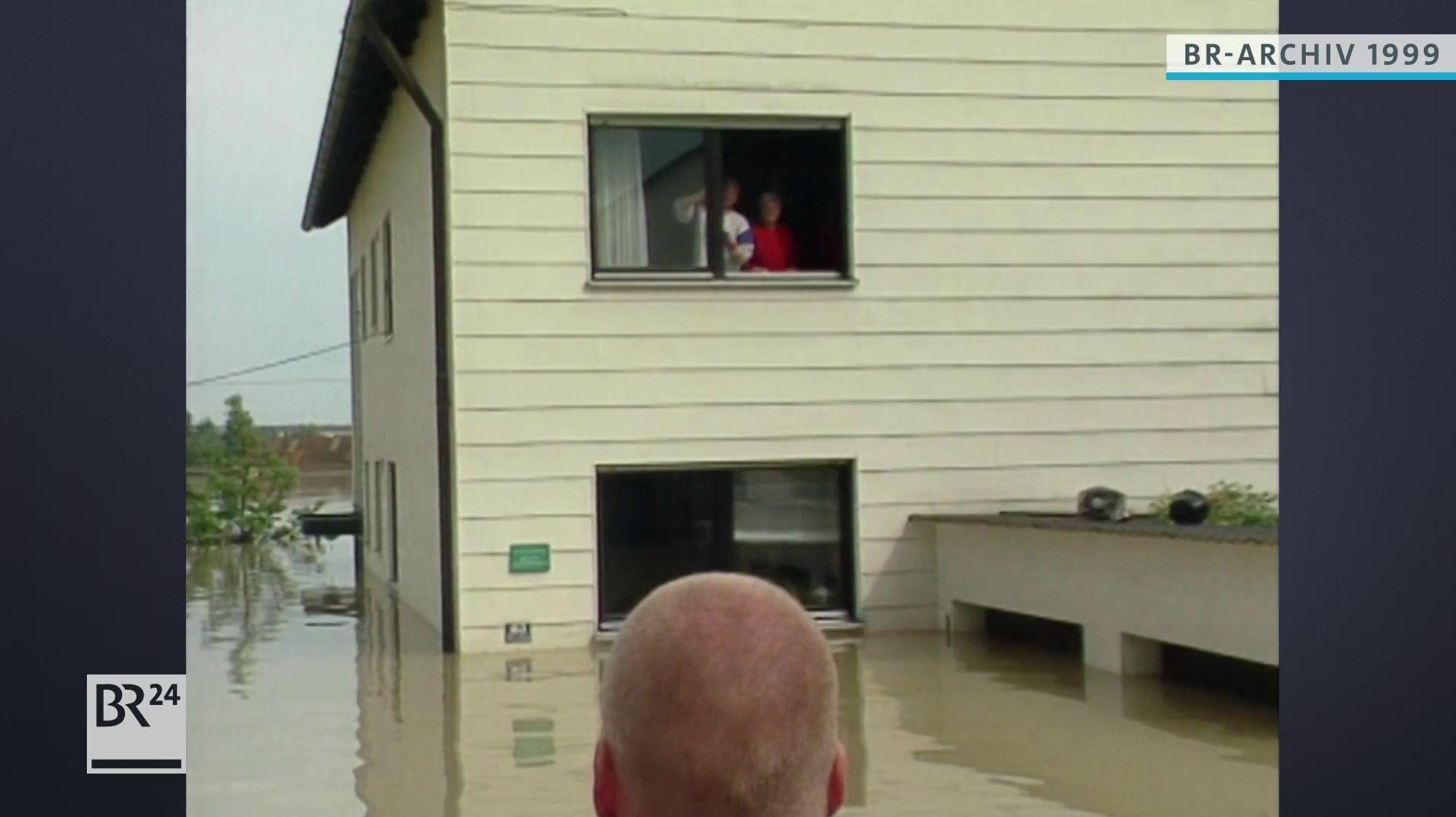 Wohnhaus unter Wasser, Außenansicht