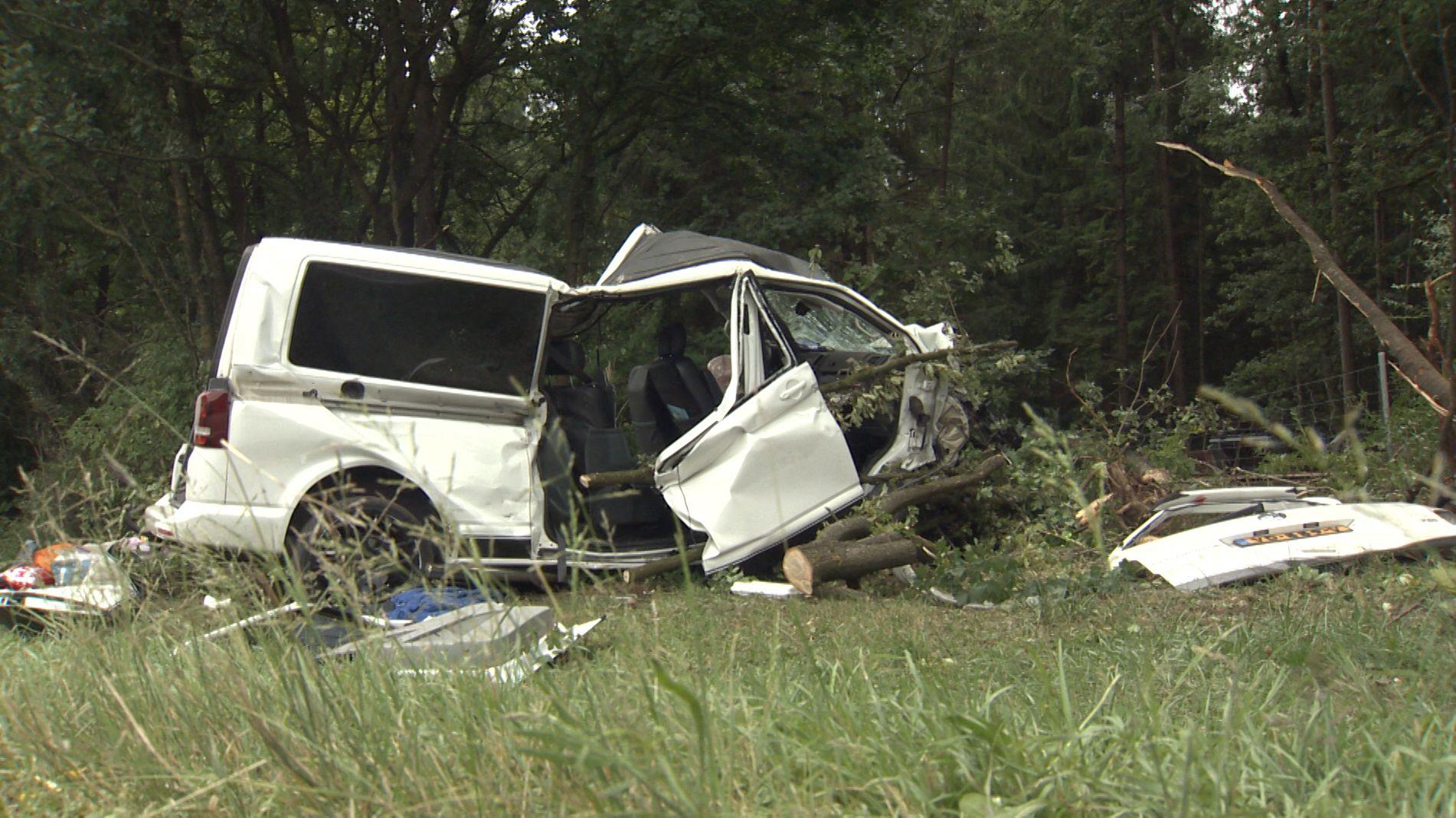 Zwei Tote nach Unfall auf A8