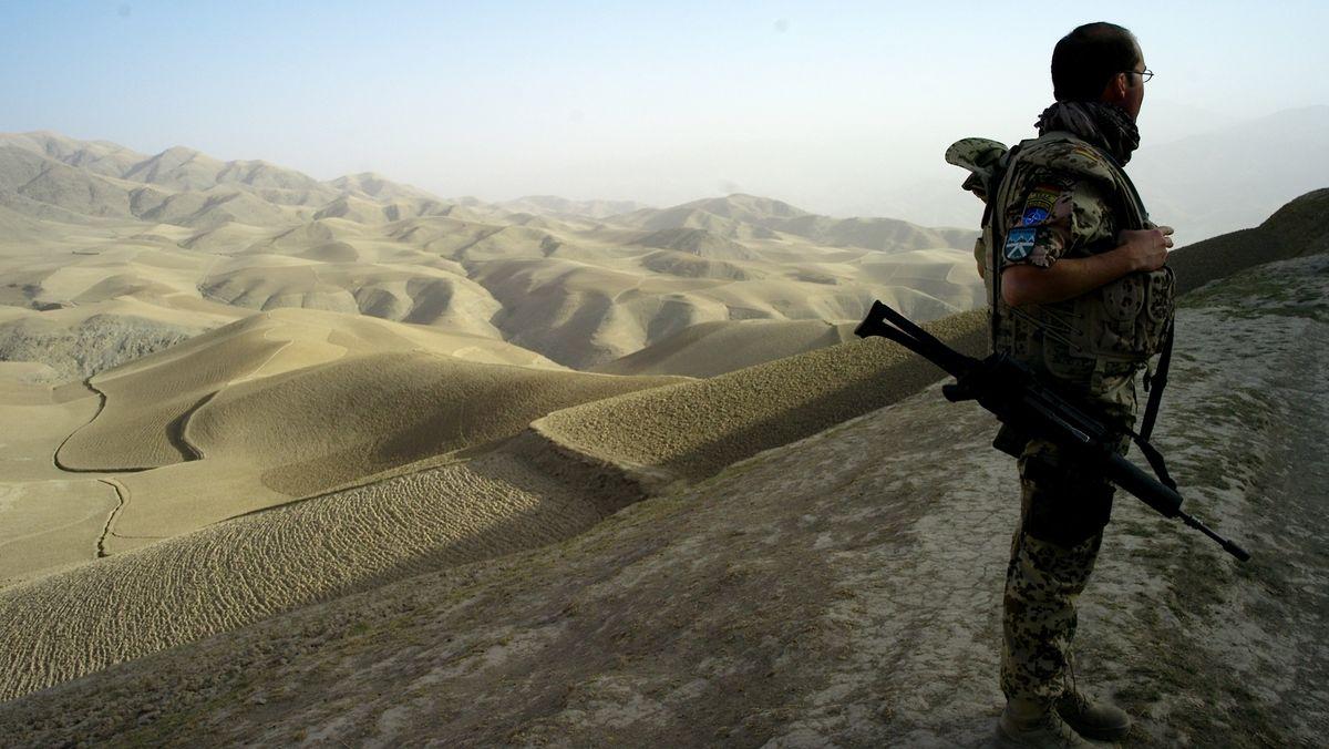 Bundeswehrsoldat in der Wüste (Symbolbild)