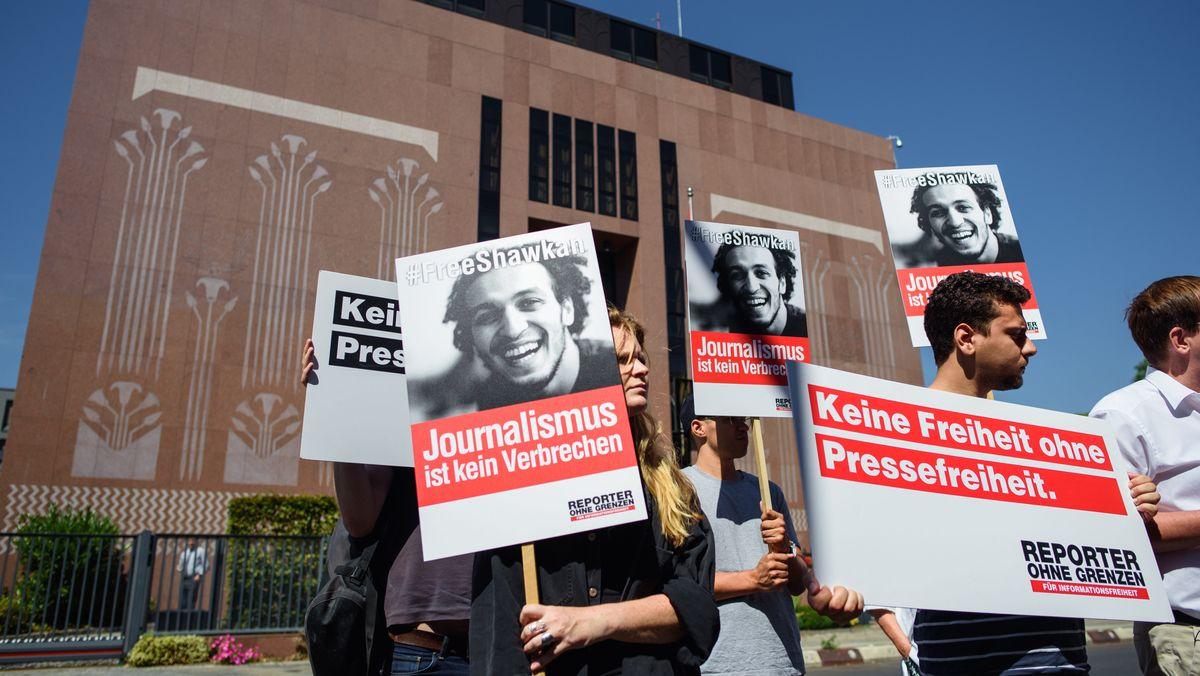 Reporter ohne Grenzen e.V. demonstrieren vor der ägyptischen Botschaft