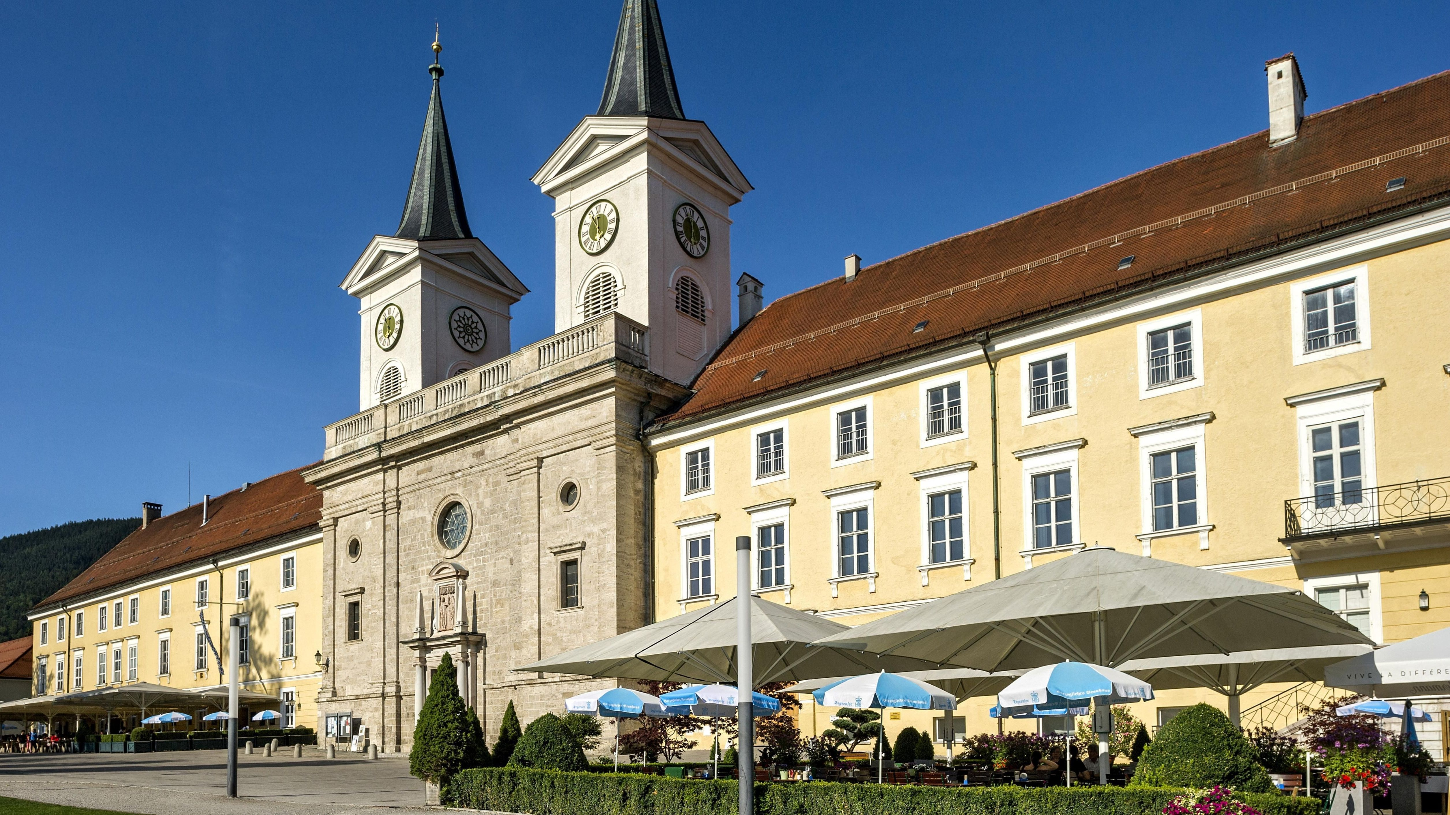Bräustüberl Tegernsee und Basilika Sankt Quirin