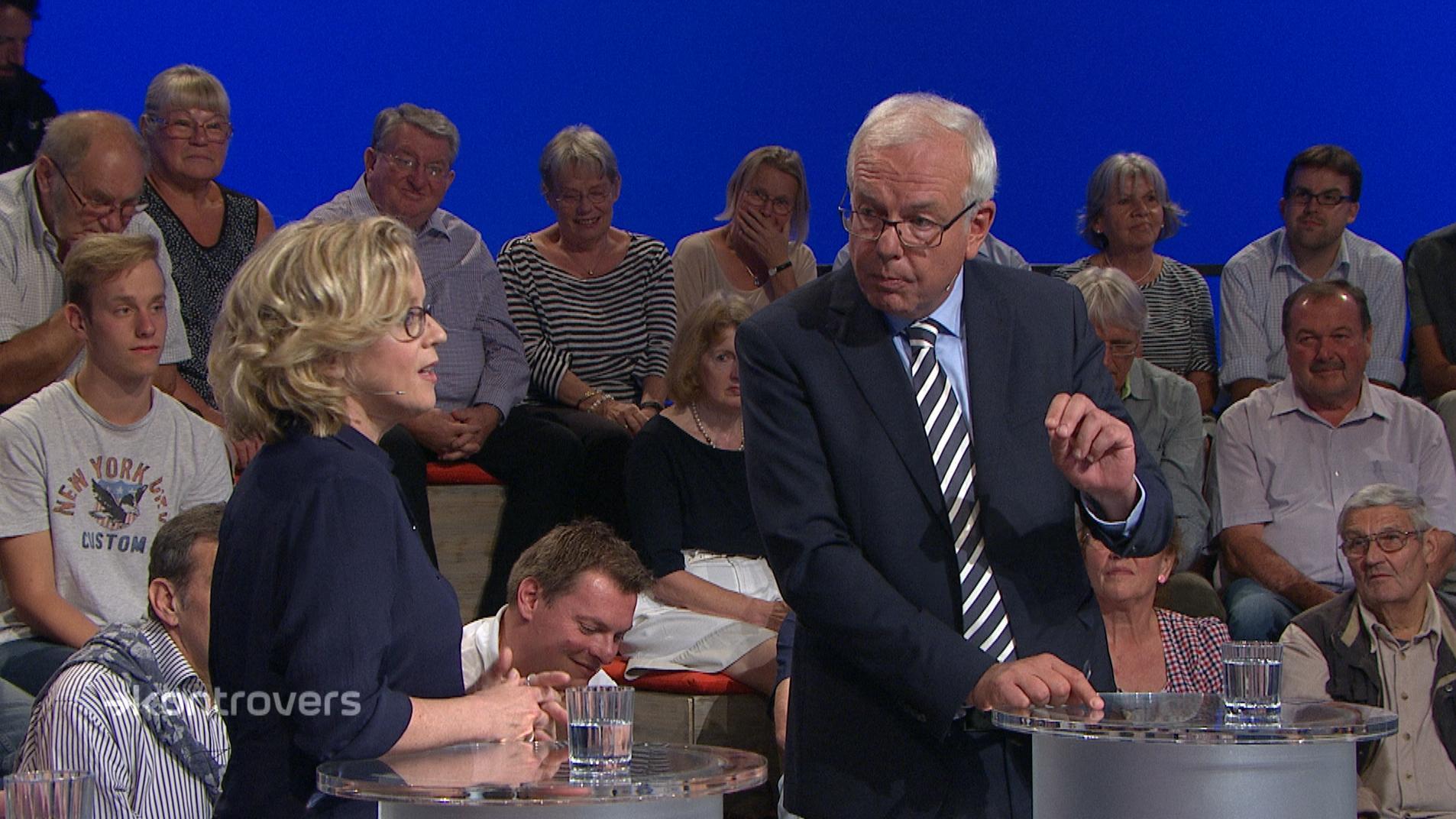 """Natascha Kohnen (SPD) und Thomas Kreuzer (CSU) in der """"Wahlarena"""" der BR-Sendung """"Kontrovers"""""""