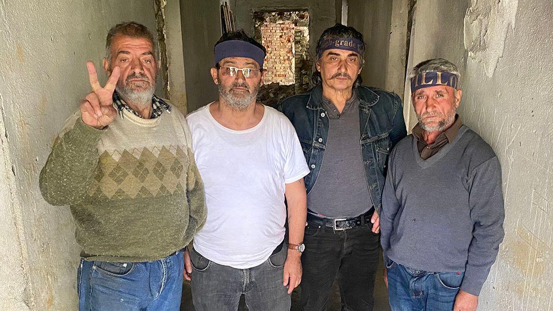 Konstandin Gjordeni, Xhevdet Pashaj, Huanito Martini und Ilir Çullhaj fordern mehr Unterstützung für frühere politische Gefangene.