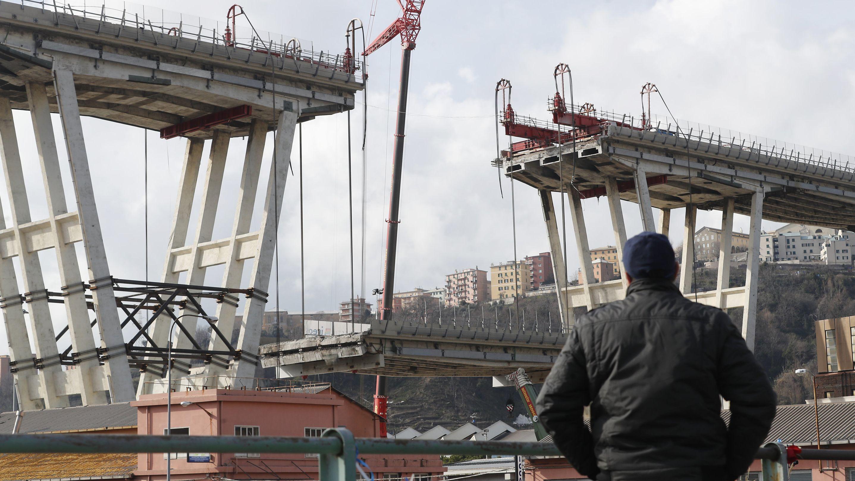 Im Winter 2018/19 werden zunächst Teile der Brücke abgesenkt.