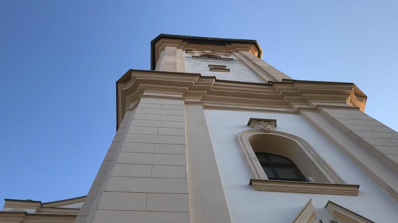 Der Glockenturm von St. Laurentius.