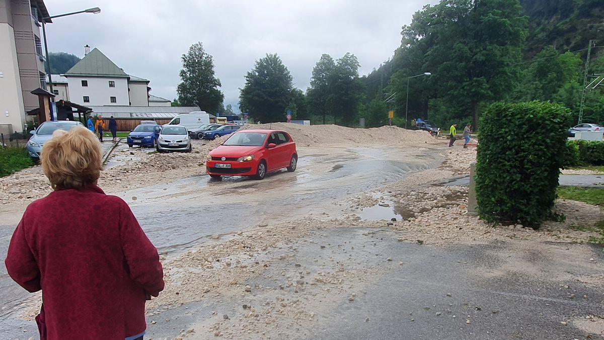 Mehrere Straßen sind überspült.