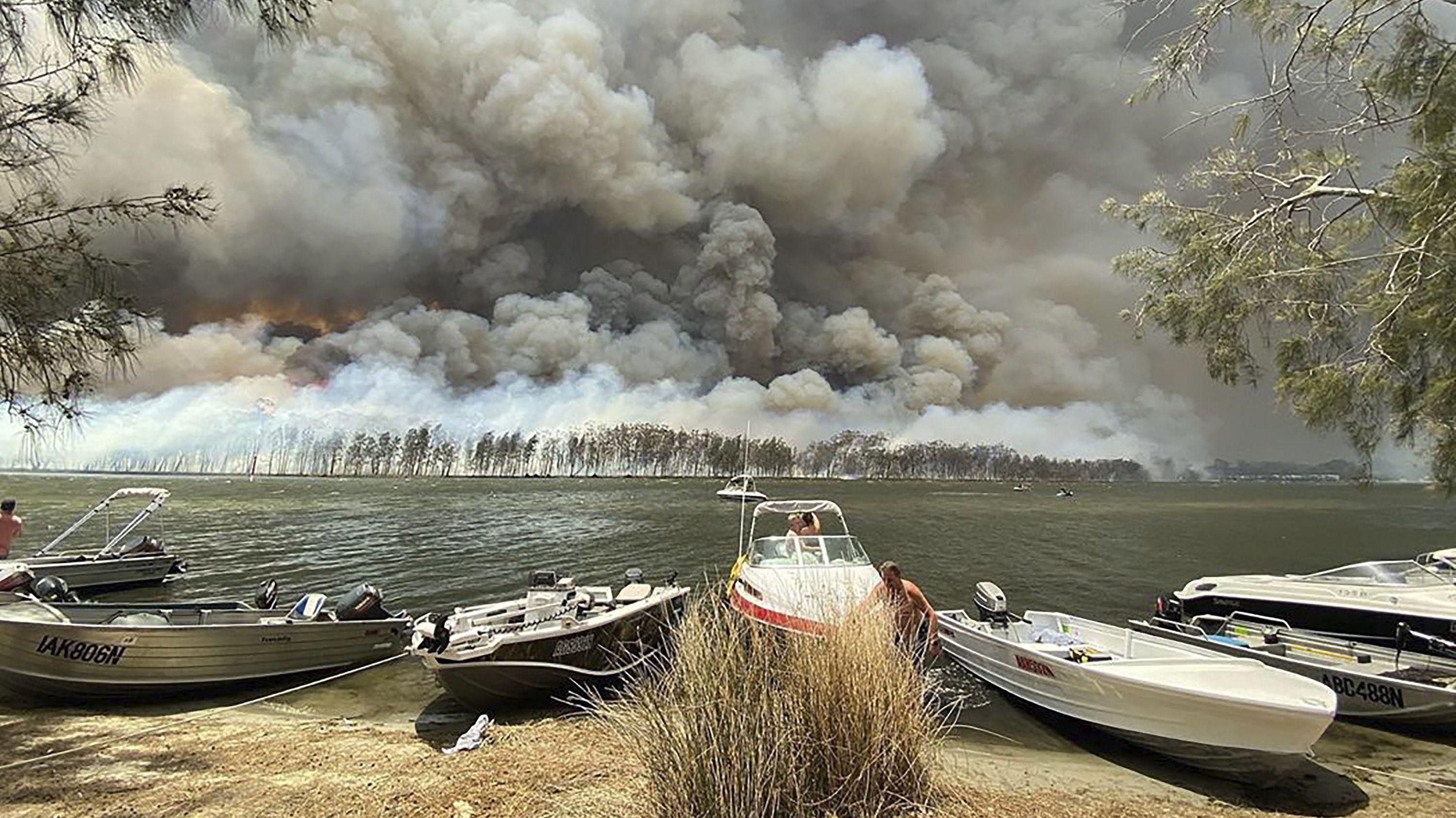 Touristen sollen Brandgebiete in Ostaustralien verlassen