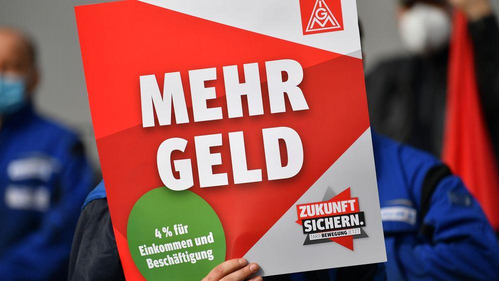 IG Metall fordert vier Prozent mehr Gehalt für die Beschäftigten