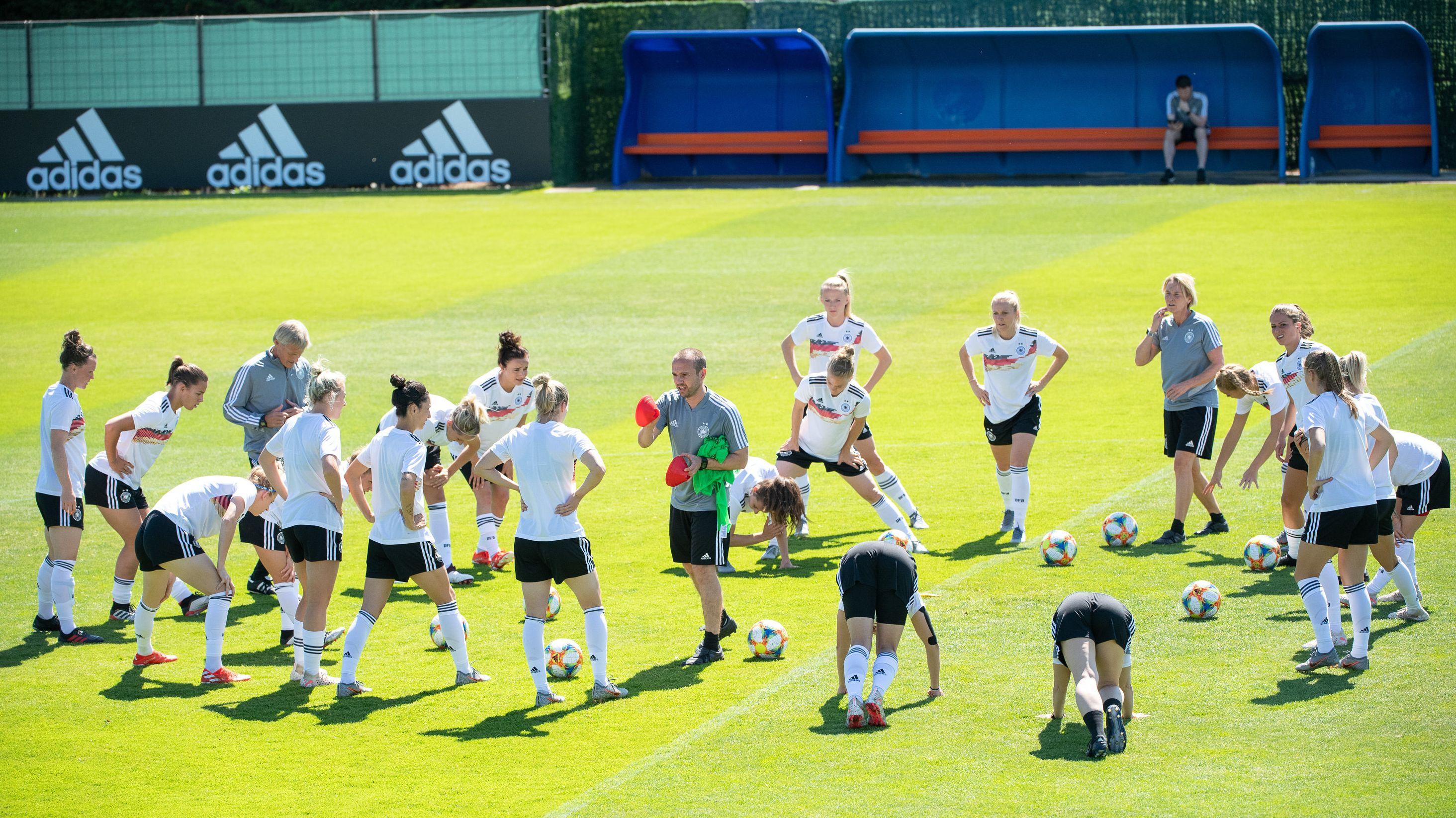 Frauenfußball-WM: Deutsche Nationalmannschaft beim Abschlusstraining