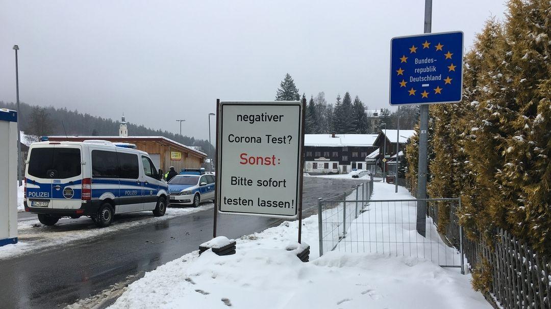 Kontrollen am Grenzübergang Bayerisch Eisenstein
