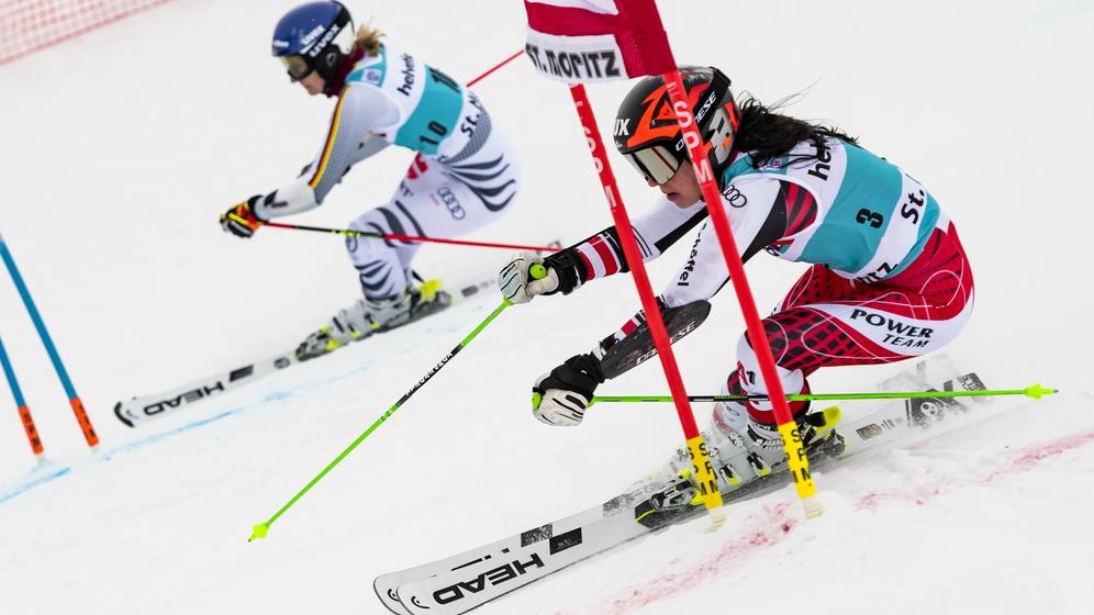 Lena Dürr (links) beim Parallelslalom in St. Moritz im Duell mit der Österreicherin Stephanie Brunner | Bild:picture-alliance/dpa