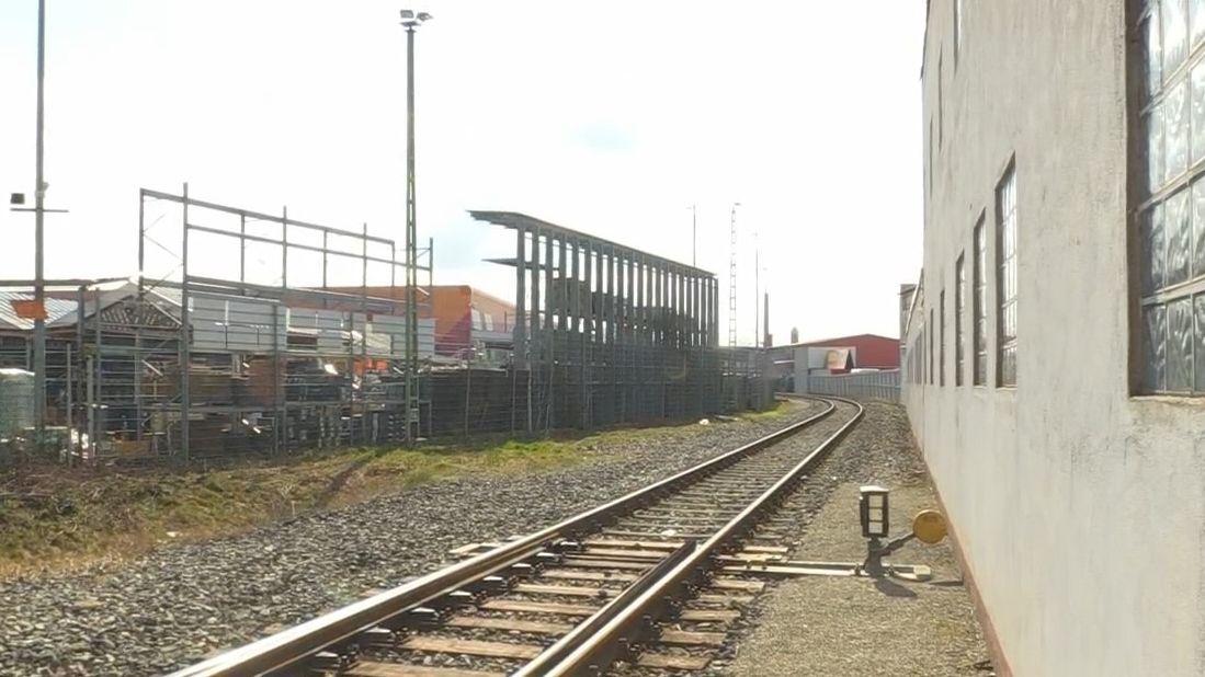 Über eine Zeitspanne von zehn Jahren soll die ICE-Strecke in Bamberg ausgebaut werden. Im Rahmen dieser Maßnahme ist auch Hallstadt betroffen.