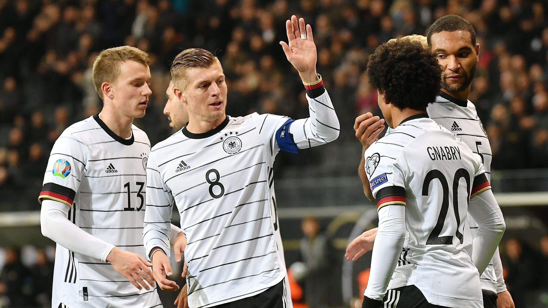 Deutsche Spieler nach dem Schlusspfiff