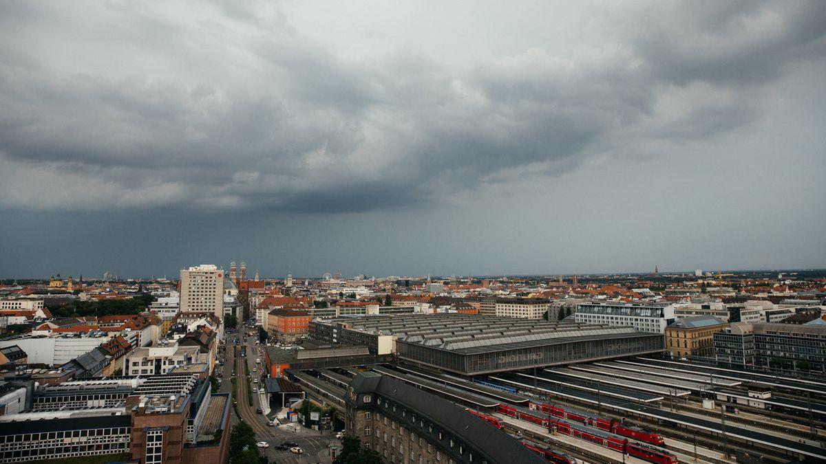 Alles grau in München. Das gute Wetter macht eine Pause. Der Klimawandel nicht.