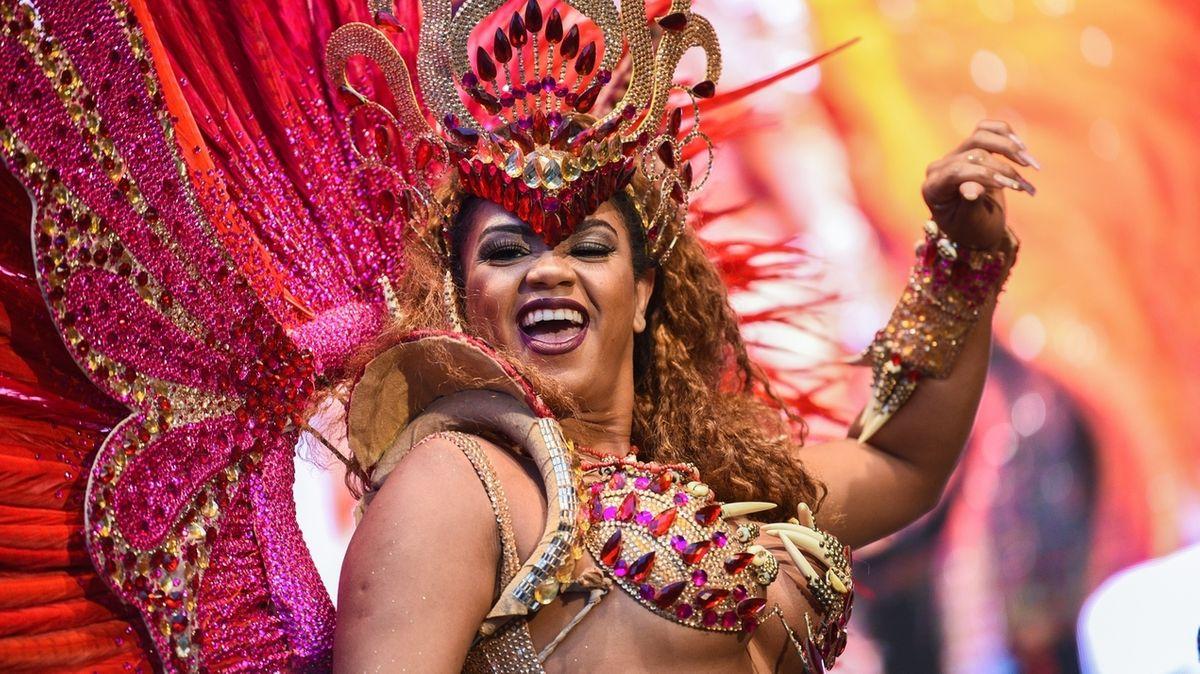 Eine Samba-Tänzerin in Coburg.