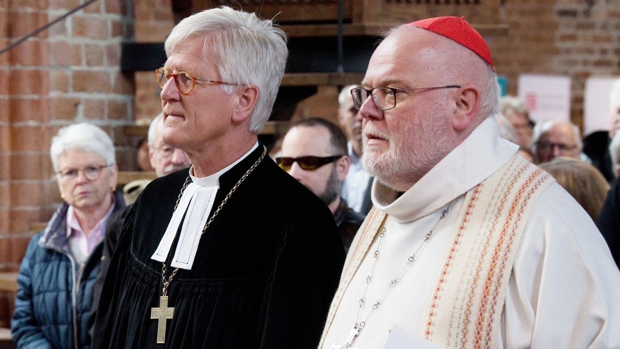 Landesbischof Bedford-Strohm und Kardinal Marx, hier zusammen bei einem Ökumenischen Gottesdienst in Niedersachsen