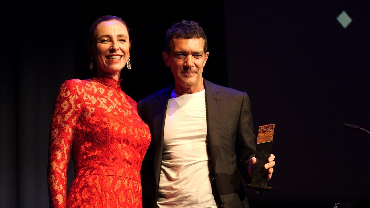 Festivalleiterin Diane Iljine und Antonio Banderas im Münchner Gasteig