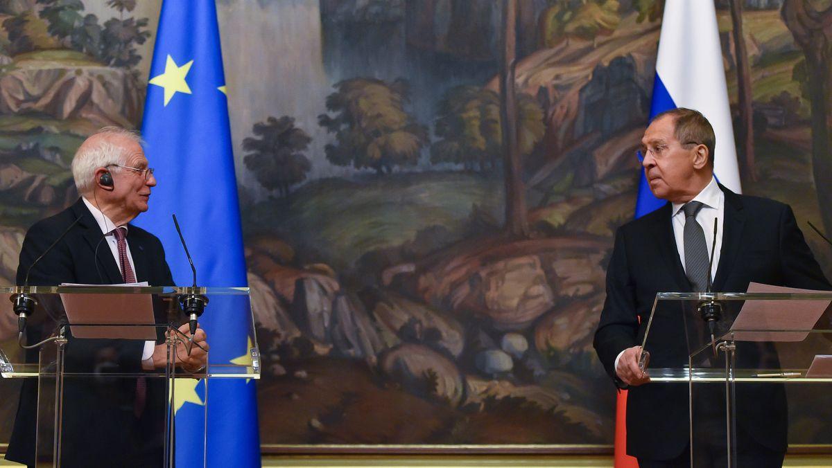EU-Diplomat Josep Borrell und Russlands Außenminister Lawrow.