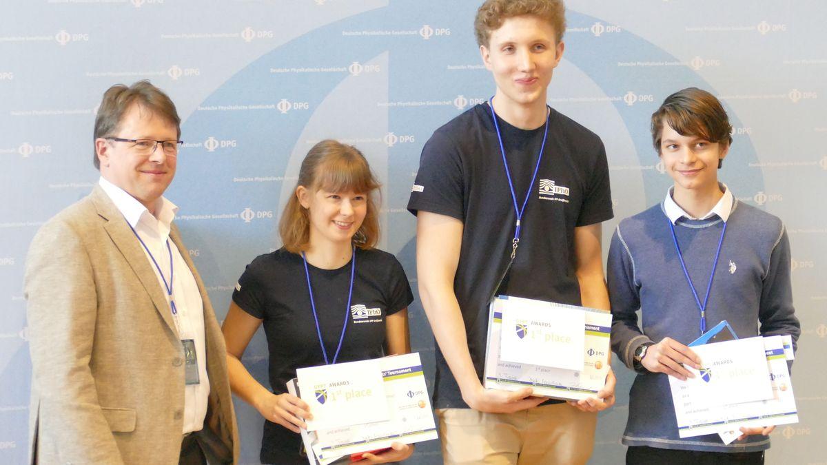 Das Siegerteam der Deutschen Physikmeisterschaften.