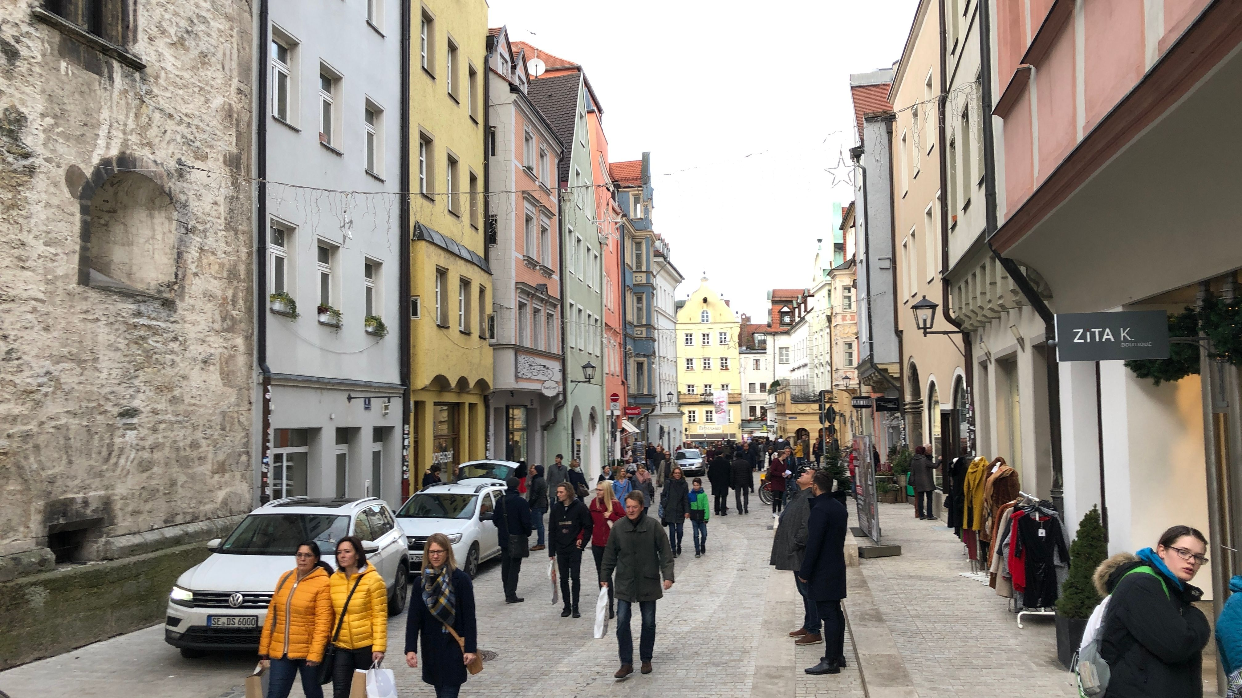 Neue Regensburger Fußgängerzone in der Altstadt.