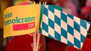 FDP-Fähnchen am Wahlabend | Bild:picture-alliance/dpa