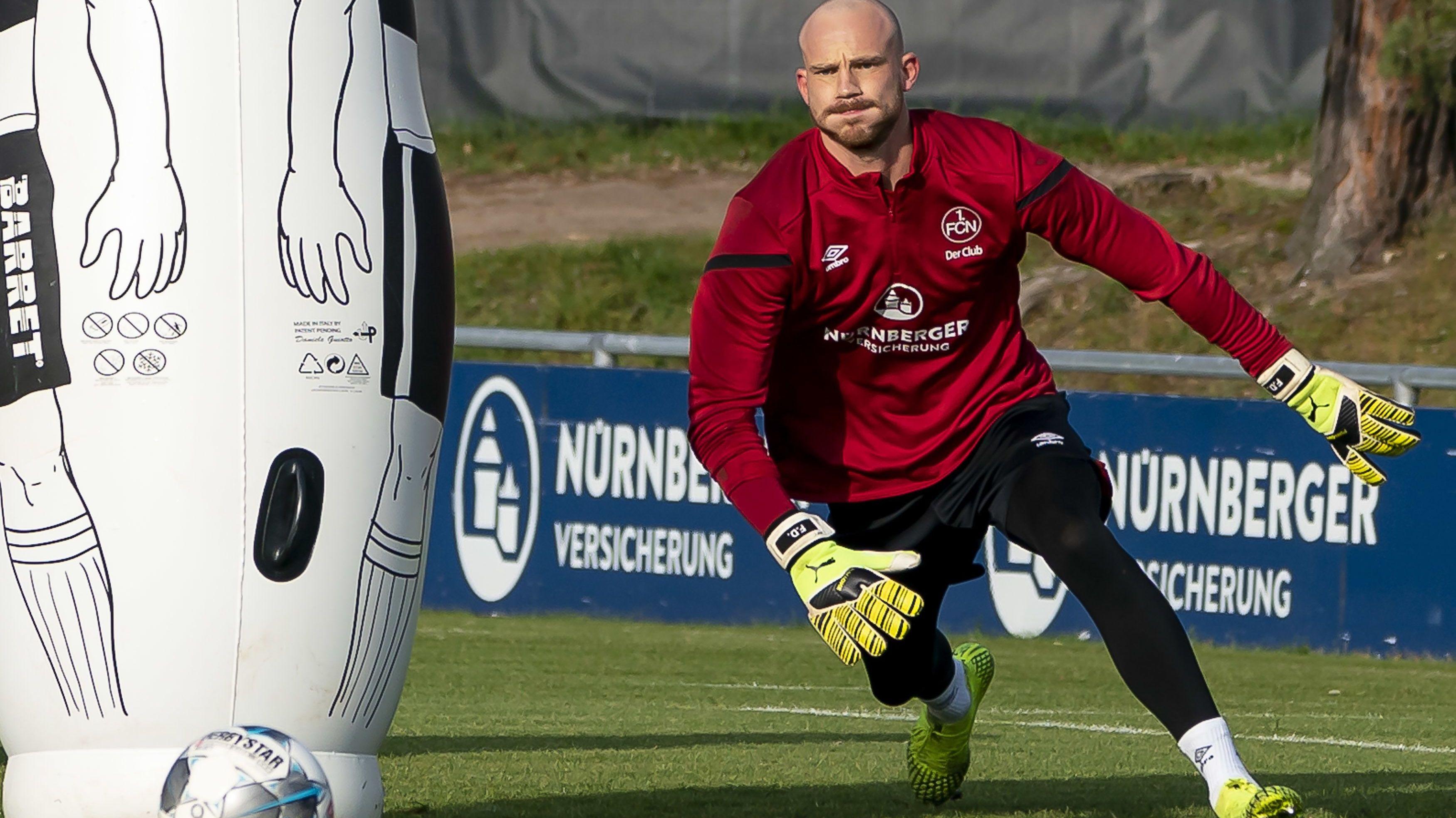 Felix Dornebusch trainiert mit dem 1. FC Nürnberg
