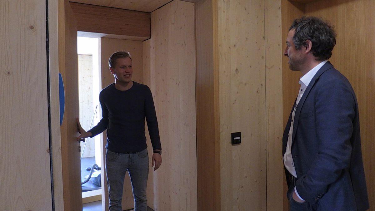 Stefan Wimberger ist der erste Bewohner in dem neuen Gebäudekomplex.