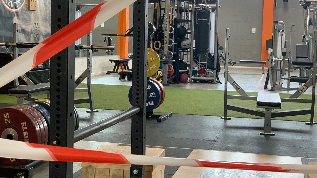 Absperrband in einem geschlossenen  Fitnessstudio