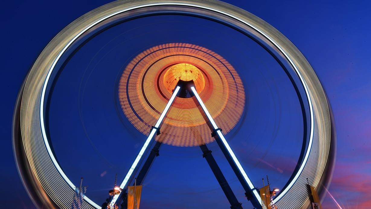 Für Fotografen ist das sich drehende Rad bei Langzeitbelichtung ein ganz besonderes Motiv.