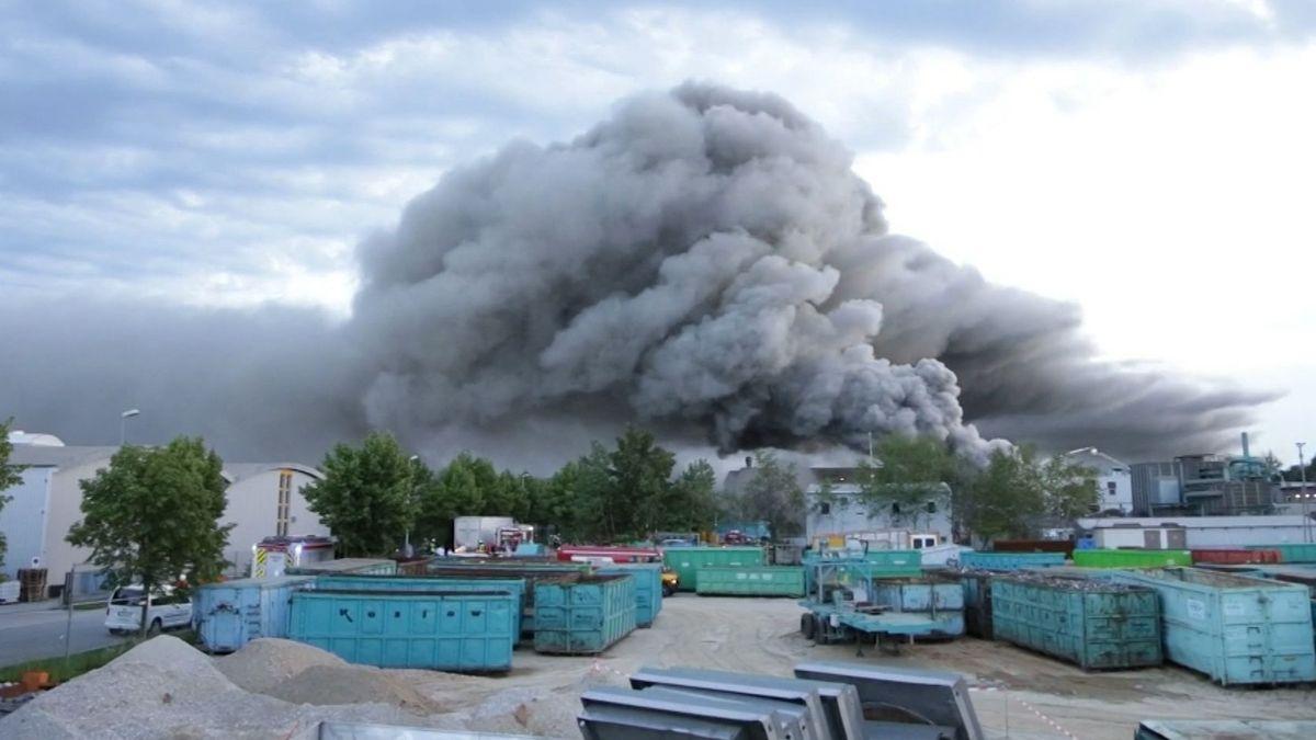 Deponiebrand in Wörth (Niederbayern)