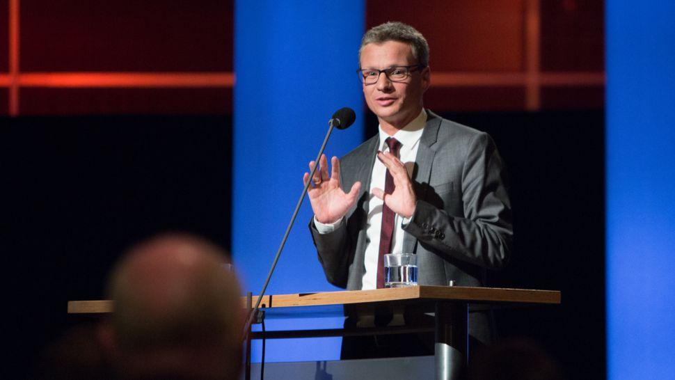 Bernd Sibler (Bayerischer Staatsminister für Unterricht und Kultus) bei einer Rede.
