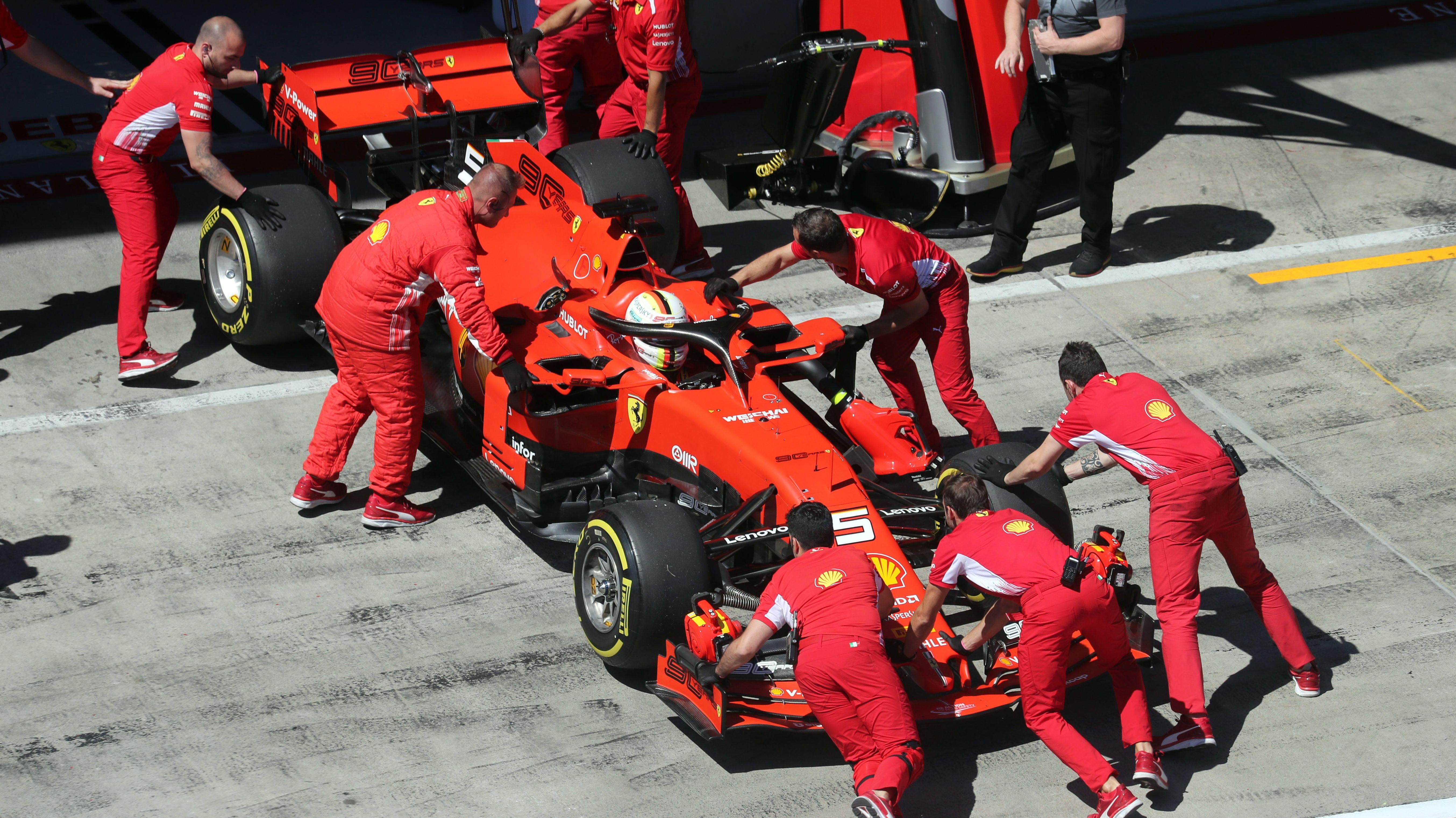 Sebastian Vettel wird in Österreich von einem Defekt gestoppt