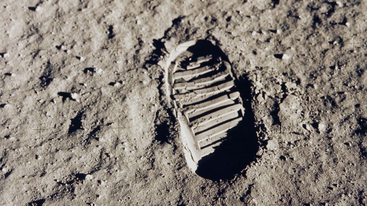 Der erste Schuhabdruck auf dem Mond von Neil Armstrong