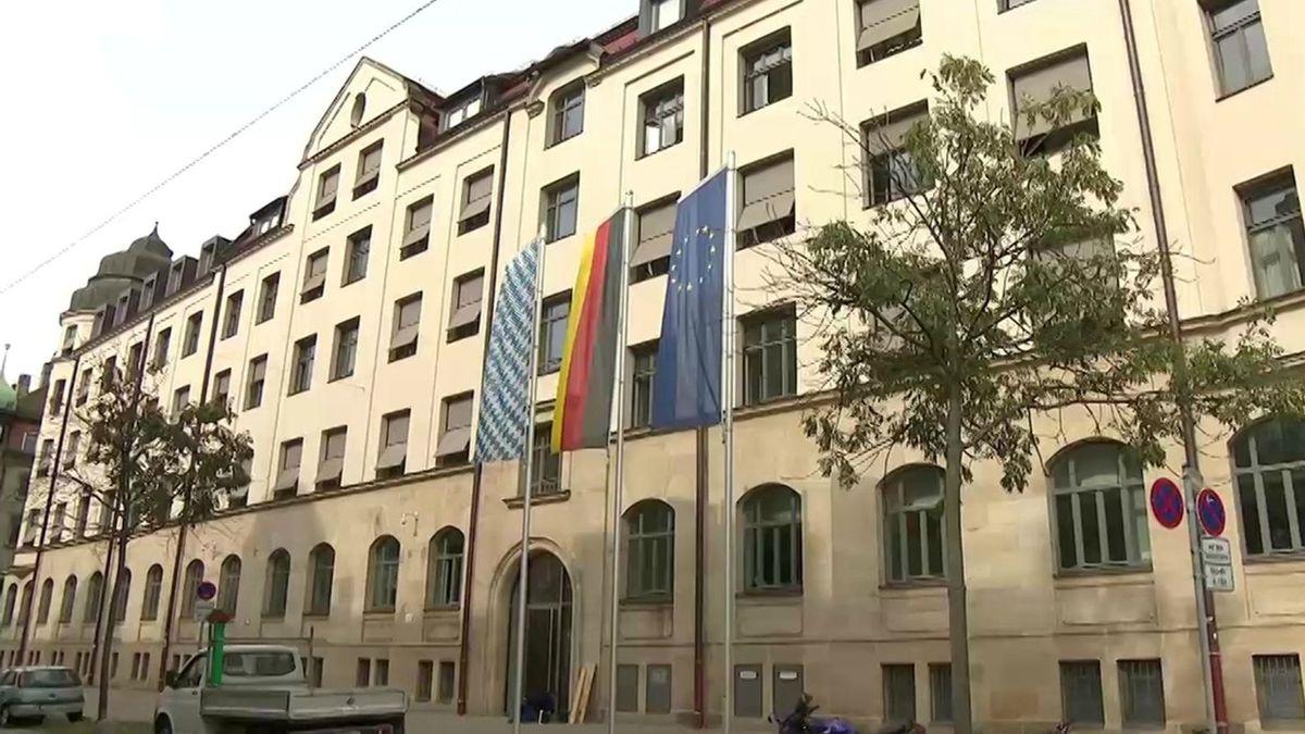Außenfassade des Bayerischen Landesamts für Statistik in Fürth.