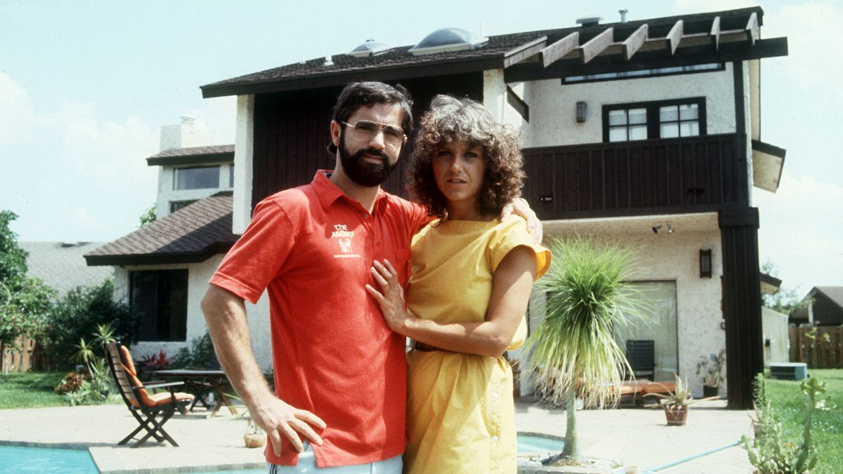Gerd Müller mit seiner Frau Ursula - hier vor ihrem Haus in Fort Lauderdale im Jahr  1982
