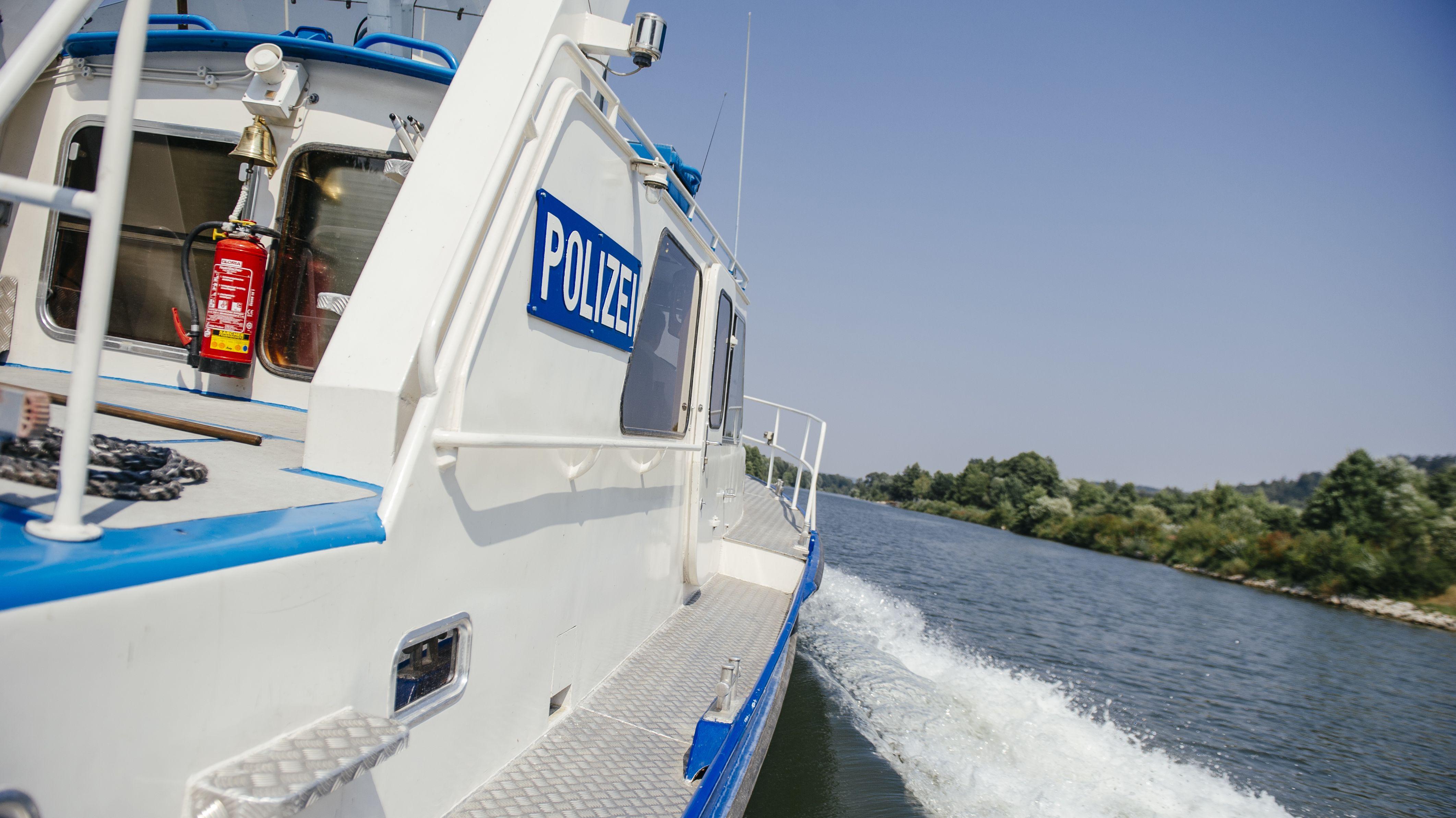 Polizeiboot auf der Donau (Symbolbild)
