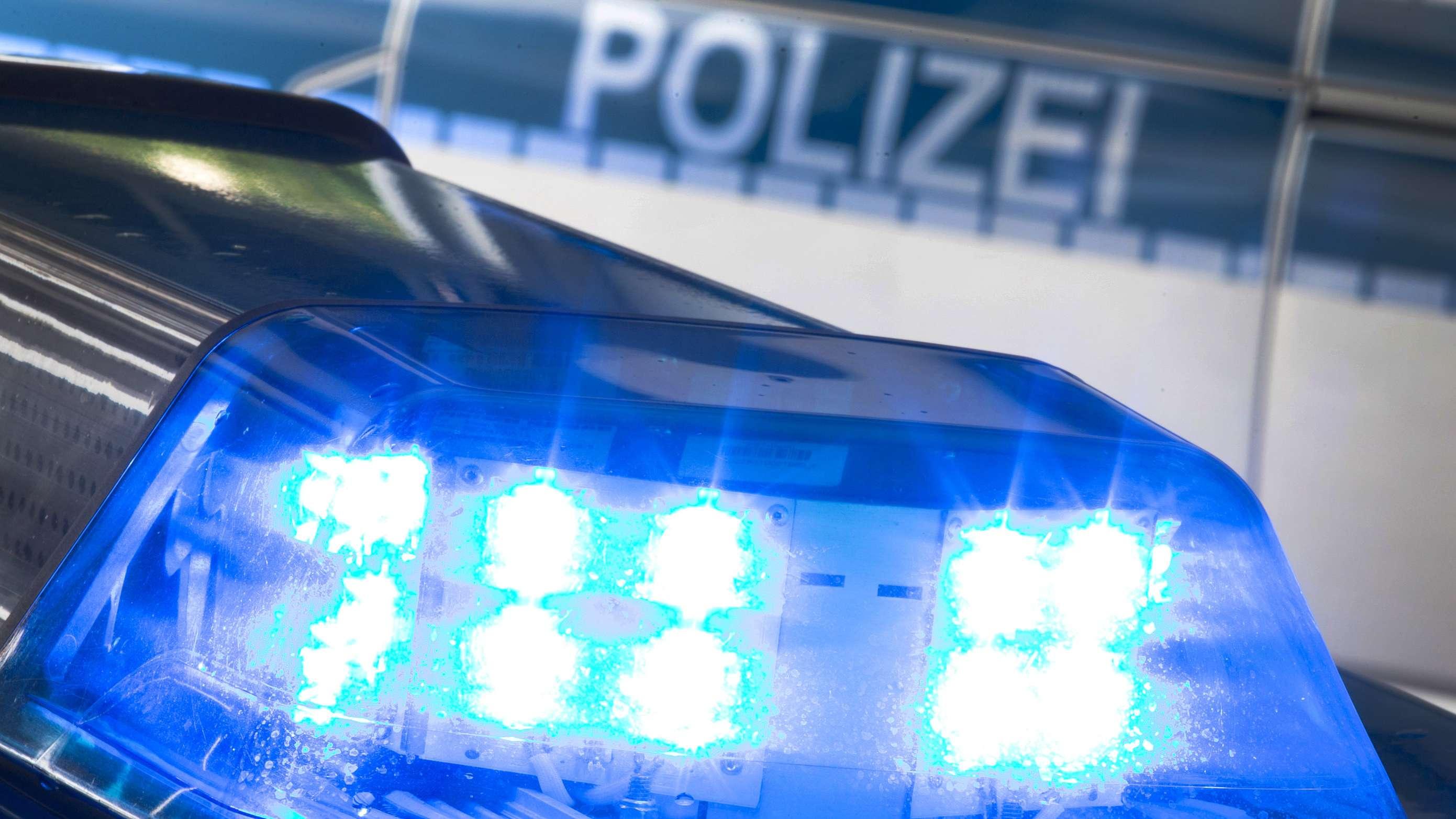 Blaulicht auf Polizeiauto (Symbolbild)