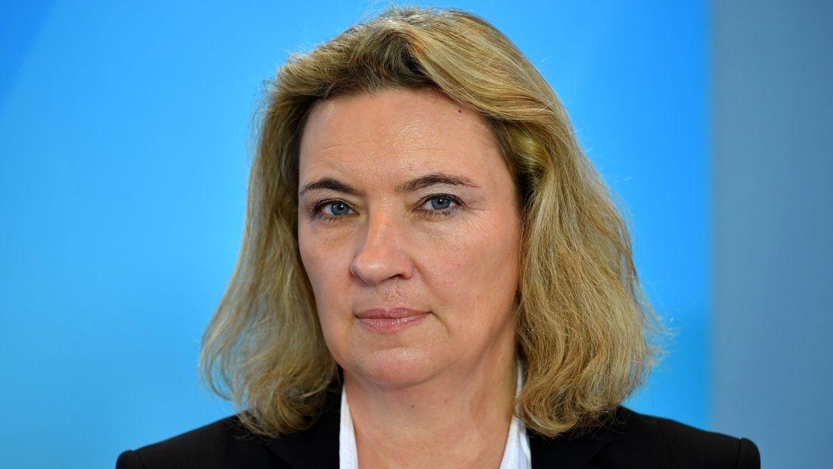 Bayerische Staatsministerin für Wohnen, Bau und Verkehr Kerstin Schreyer
