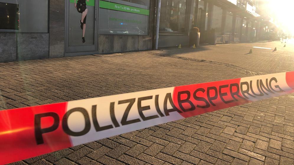 Der abgesperrte Tatort in Nürnberg, Stadtteil Bärenschanze.   Bild:news5